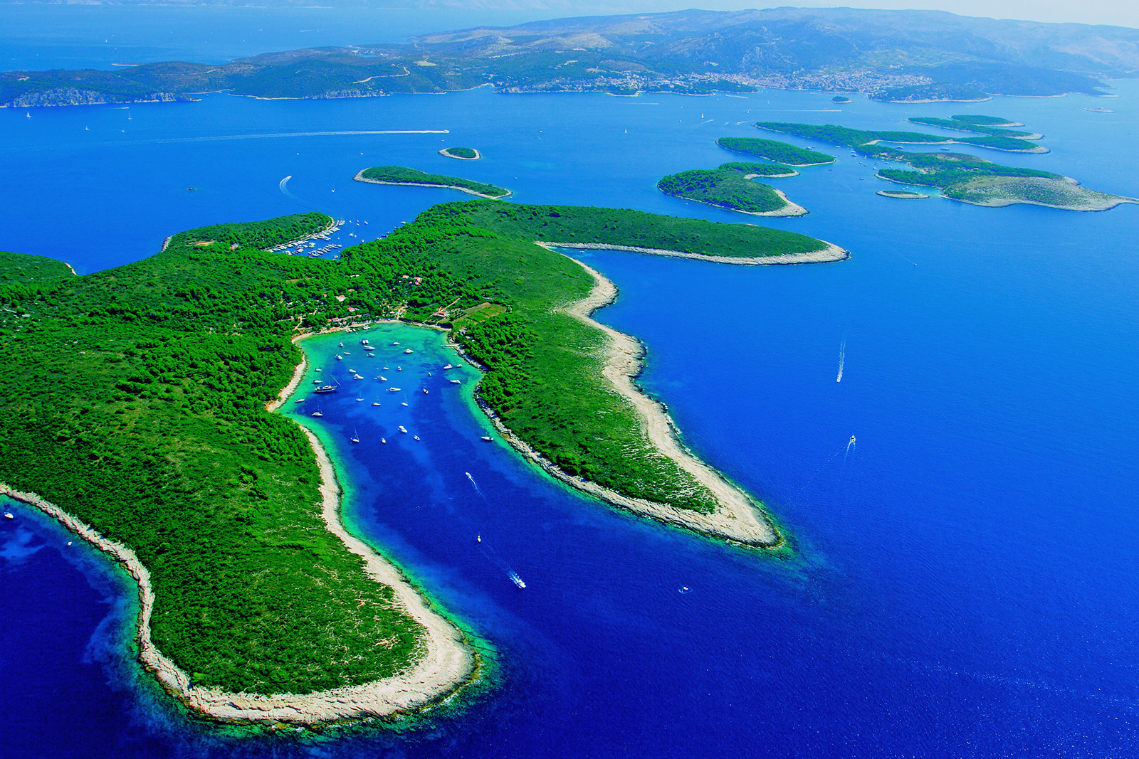 Hvar, Paklinski islands